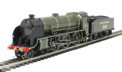 "Hornby R3327 SR S15 Class No. ""824"" DCC Ready BRAND NEW!"