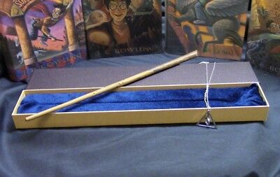 Newt Scamander Wand w/ FREE Deathly Hallow Necklace