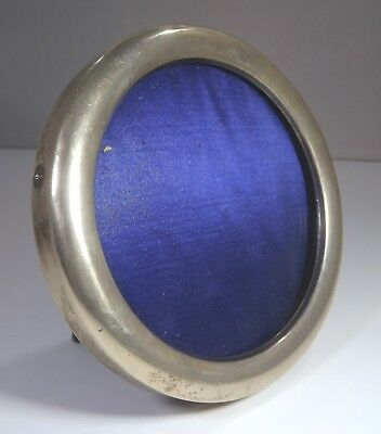 Antique Victorian Sterling Silver Round Photograph Frame (11cm diameter)