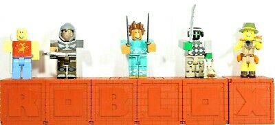 Roblox Series 4 - Roblox Series 4 Red Brick Cube Mystery Figures And Unused