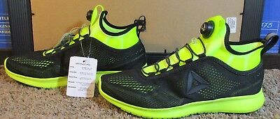 d7d4fbd854b3 REEBOK PUMP PLUS Tech Men s Running Shoes Black Solar Yellow BD4864 ...
