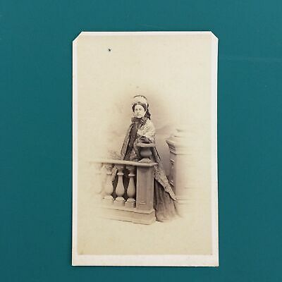 1864 Carte De Visite Photo Cdv Woman In Elegant Clothing Bonnet Flowing Cape