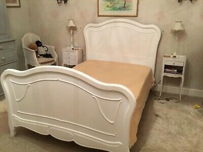 """Antique original French painted 4ft 6"""" double bed with carved detailing"""