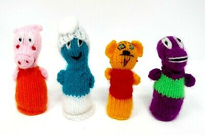 4 FINGER PUPPETS Crocheted BARNEY Winnie the Pooh SMURF Peppa Pig CHARACTERS