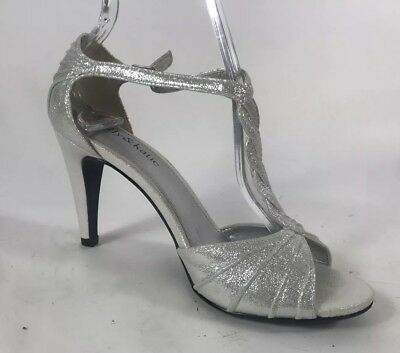 667dddd244a1 KELLY   KATIE Women s Formal GLITTERY SPARKLY Pumps Heels Sz 8 EUC ...