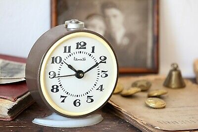 Old Fashioned Mechanical Alarm Clock Working Wind Up USSR Clock Loud Alarm Clock