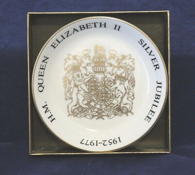 1977 Royal Worcester Queen Elizabeth Ii Silver Jubilee Pin Trinket Dish Boxed #2