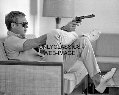 1963 Steve Mcqueen Points His Harrington & Richardson 939 Hand Gun 8X10 Photo