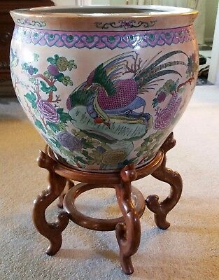 Chinese Da Qing Style - Fish Bowl / jardinière pretty Chinese Circa 1940's