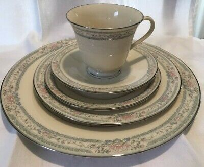 Lenox Charleston China 6 - 5 Piece Place Settings--Excellent Condition!