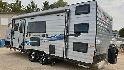 2018 New Age Manta Ray Caravan Damaged Project Shower Toilet + 3 Bunks See Video