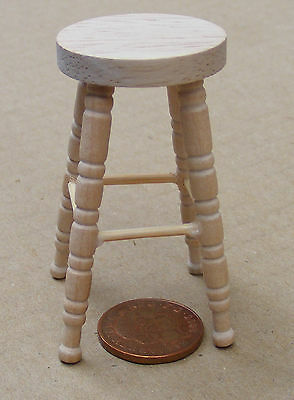 1:12 Scale 2 Natural Finish Stool Dolls House Furniture Bar Kitchen Accessory 87