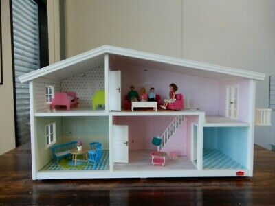 Lundby Smaland Designer Dollhouse - Furniture Included, Dolls Included, Used.