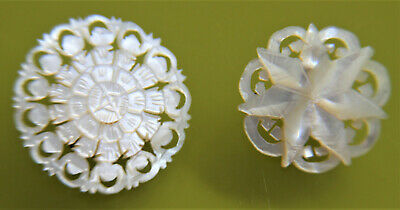 Vtg/antique pair shell/mother of pearl carved small brooches/pins flower/star vg