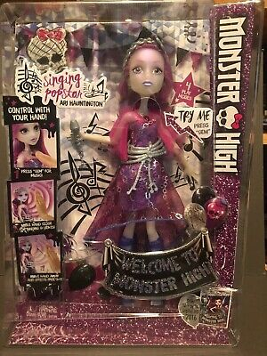 Monster High Singing Popstar Ari Hauntington w/free replacement batteries