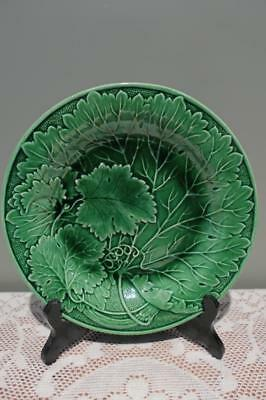 Antique Majolica Green Vine Leaf plate - 21.4cm - Collectable - Leaves - Vgc