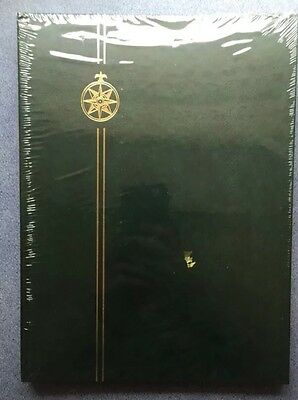 "Green A4 Stamp Stockbook Album (Compass) -16 Pages/32sides ~BLACK PAGES~12"" X 9"""