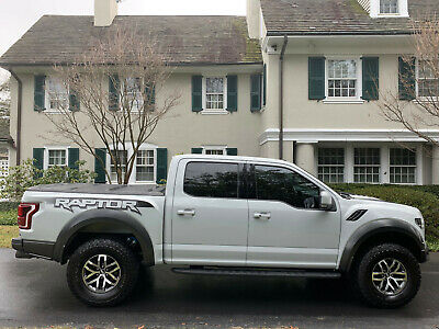 2017 Ford F-150 Raptor RARE Avalanche Grey 2017 Ford F150 Raptor Loaded Crew Cab Clean CarFax One Owner