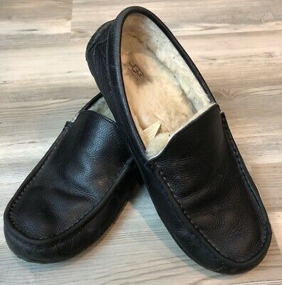 5248ff393c3 UGG MENS MOCCASSINS 5379 Ascot Black Leather Shearling Slippers sz ...