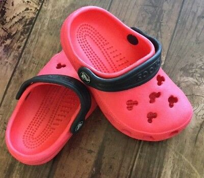 19ab5721dac289 Disney Crocs Mickey Mouse Cutout Red Black Size 7-8 Unisex Toddler Boys  Girls