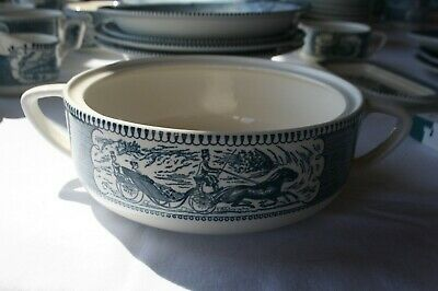 """Royal Currier and Ives Casserole dish - no lid 7.5""""  Crazing inside"""