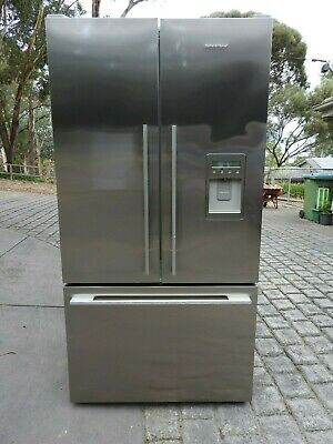 Fisher & Paykel 610L Stainless Ice/Water French Door Frost Free Refrigerator.