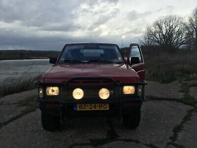 Nissan Pick-up 2.5d 4wd. 1988 Oldtimer.