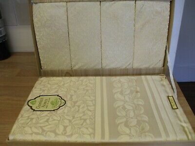 Vintage Tablecloth & 4 napkins made in Ireland