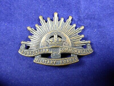 WW1 WW2 Australian Commonwealth Military Forces Slouch Hat Badge