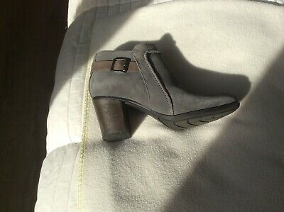 Clarks Enfield ladies/ women's grey  suede boots, used once, BARGAIN