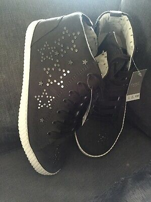 Women's Girls Next Trainers Pumps Hi tops Boots Size 4 Grey With Studded Stars
