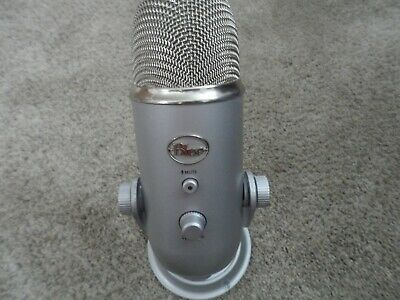 Blue Microphones Yeti USB Wired Condenser Microphone - Silver