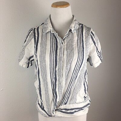 7120ed36a60f80 Universal Threads Women's Gray & White Striped Tie Front Shirt SIze Medium