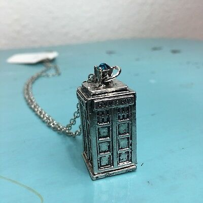 Doctor Who Tardis necklace comicon cosplay