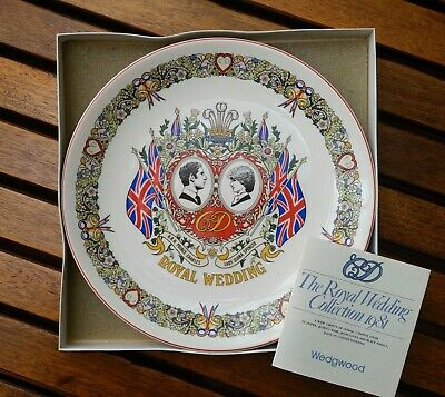 WEDGEWOOD PLATE - THE ROYAL WEDDING COLLECTION - CHARLES & DIANA 1981 boxed