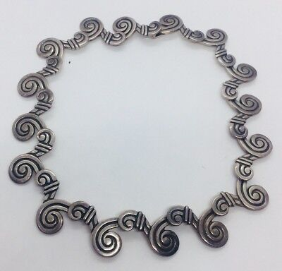 Los Castillo Vintage Mexican Sterling Silver Modernist Scalloped Swirl Necklace
