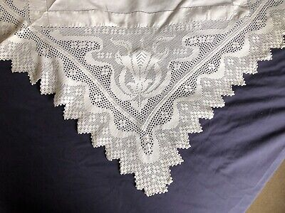 Super Edwardian Vintage White Cotton Medium Tablecloth Hand Crocheted Edging