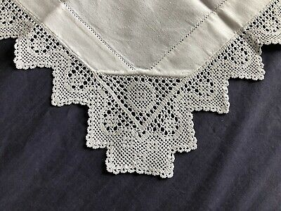 Super Edwardian Vintage White Cotton Small Tablecloth Hand Crocheted Edging