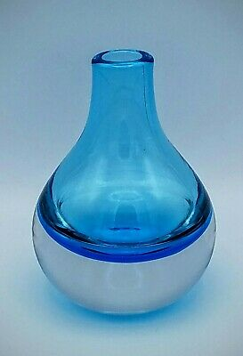 HANDMADE & MOUTHBLOWN Art Glass Solid Color BLUE Glass Bud Vase **MINT**