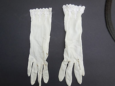 **Designer Ladies Cream Nylon Lace Trimed Dress Gloves Unlined Size Medium