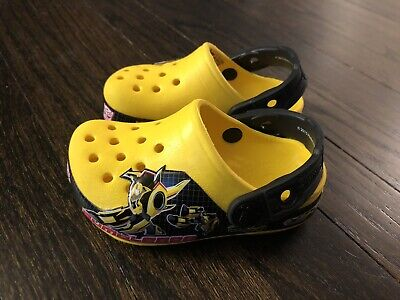 46100c46b7fd CROCS Kids Boy Yellow Transformers Bumblebee Washable Shoes Toddler size 4-5