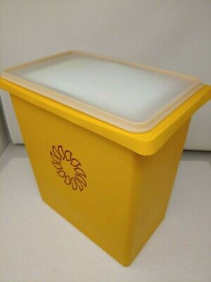 Vintage NEW Tupperware Picnic Set - Maize Sunburst Never Used with Handle/Top