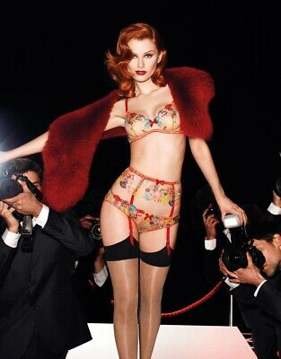 Rare Agent Provocateur Zuri Suspender Red Size 2 or 3 NWT