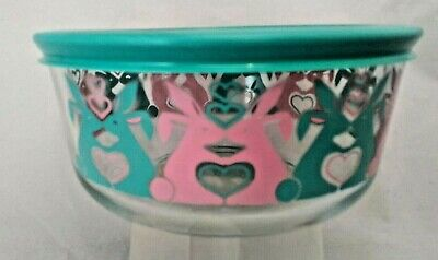 New Pyrex 4-cup storage serving gifting bowl 2018 glass green pink bunny Easter