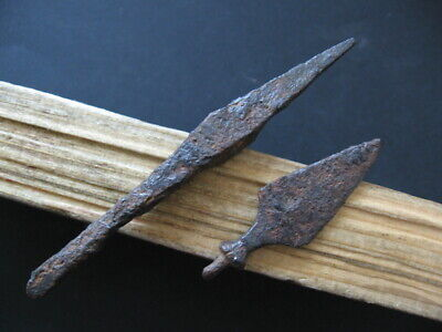 2 ANCIENT ROMAN IRON ARROWHEADS BATTLE BETWEEN CLAUDIUS vs GOTHS 268 A.D.