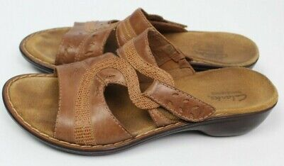 6723207f026 Clarks Bendables women s size 6.5M brown tan slip on s slides sandals  leather
