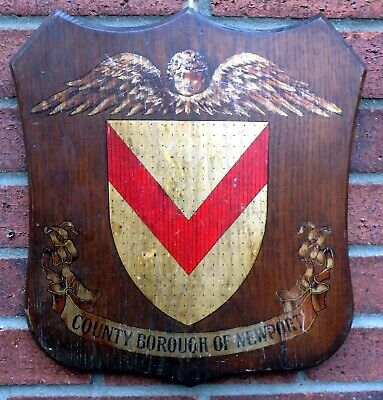 Edwardian antique Arts & Crafts solid oak painted gilded armorial wall plaque