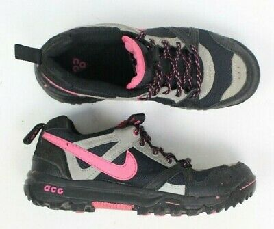 18d351fc84 Nike Air ACG All Conditions Rongbuk women s size 6 Trail Hiking Shoes black  pink