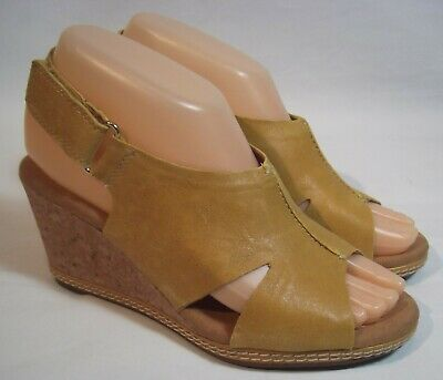 231c04f43234 Clarks Helio Float Gold Mustard Yellow Tan Leather Wedge Sandals Women s 6