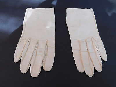 **Vintage  Ladies Cream  Leather Gloves  Unlined Size 6.5